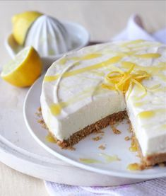 Creating a zesty and delightfully smooth lemon cheesecake is a breeze with Carnation. Get the recipe for the tasty dessert with a biscuit base here. No Bake Desserts, Easy Desserts, Delicious Desserts, Dessert Recipes, Dessert Ideas, Yummy Treats, Lemon Cheesecake Recipes, Keylime Pie Recipe, Strawberry Cheesecake