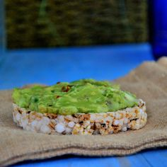 Flax-Guacamole with Rice Cakes http://online.prevention.com/food/healthy-eating-tips/portable-high-protein-snack-recipes/flax-guacamole-rice-cakes