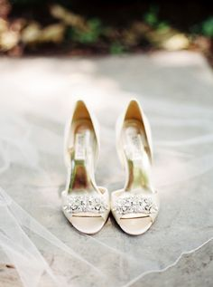 Stunning sparkly bridal shoes: http://www.stylemepretty.com/virginia-weddings/2015/08/11/romantic-summer-wedding-at-the-mill-at-fine-creek/ | Photography: Matoli Keely - matolikeelyphotography.com