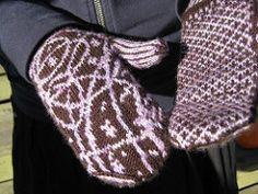Ravelry: Galileo Mittens pattern by Laura Chau