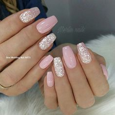 False nails have the advantage of offering a manicure worthy of the most advanced backstage and to hold longer than a simple nail polish. The problem is how to remove them without damaging your nails. Pink Nail Art, Pink Nails, My Nails, Cute Nails, Black Nails, Cute Summer Nail Designs, Cute Summer Nails, Best Acrylic Nails, Sparkle Nails