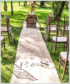 Personalized burlap runner for your wedding!  WOW!