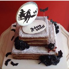 naked cake, witch, moon, bats, painted cake, black roses, Confiserie de Lu
