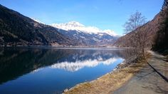 Il Silenzio. Con stile. Lago di Poschiavo cantone dei Grigioni 11:15 am   #poschiavo #poschiavovalley #lagodiposchiavo #grigioni #cantonedeigrigioni #svizzera #igerssvizzera #ig_svizzera #swiss #swisslake #lakeofswitzerland #switzerland #picofswitzerland #swissshot #lakeshot #mountains #swissmountains #swissvalley #travelaroundtheworld #travel #berninaexpress #bernina #treninorossodelbernina #treninorosso