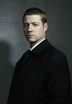 Gotham - Ben McKenzie as Detective James Gordon