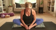 Easier birth with fetal positioning. Use site & videos to improve fetal position (breech, transverse, posterior) and birth. Baby Workout, Prenatal Workout, Pregnancy Workout, Posterior Baby, Baby Health, Women's Health, Spinning Babies, Breech Babies, Baby Position