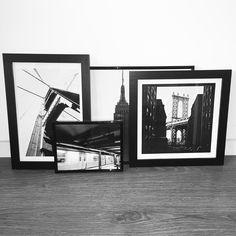 Zwart-wit foto's van New York in strakke zwarte frames Deze prachtige foto's van hot spots in New York maken je interieur weer helemaal strak en doen je terug denken aan die prachtige stad. #zwartwit #lijstjes #newyork #ny #industrieel #newyork #photograph #black #frame #interior #picture #decoration #photos #blackandwhite #wallframe #city #skyscraper #urban #wallporn