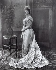 1902 Queen Mary at King Edward VII's coronation