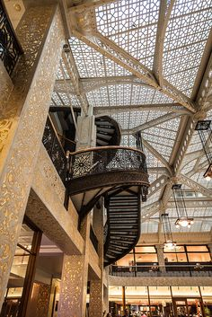 Lobby of Rookery Building (1905), Chicago. Frank Lloyd Wright.