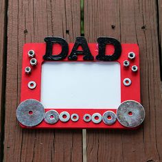 Fathers Day Frame - Gather up some odds and ends for this Father Day craft. Kids can make their own and give it to dad as a gift.