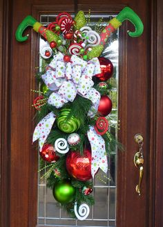 In this DIY tutorial, we will show you how to make Christmas decorations for your home. The video consists of 23 Christmas craft ideas. Grinch Christmas Tree, Christmas Swags, Etsy Christmas, Holiday Wreaths, Christmas Ornaments, Classic Christmas Decorations, Christmas Arts And Crafts, Whimsical Christmas, Elf Decorations