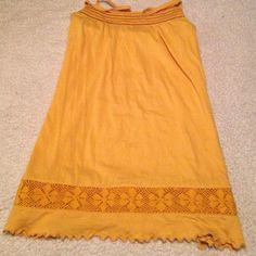 """Cute Tunic This tank tunic is really cute. In like new condition. It's 29"""" long from top of shoulder strap and 19"""" underarm to underarm. Mossimo Supply Co Tops Tank Tops"""