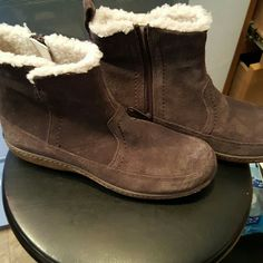 NWOT Timberland  earth keepers size 7.5 woman's These are suede, brown. Very nice boots.  Never worn. Timberland Shoes Winter & Rain Boots