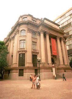 Santander Cultural  Foto: Denise Helfenstein Divulgação/PMPA  Homenagem da Foxter Cia. Imobiliaria   http://www.foxterciaimobiliaria.com.br