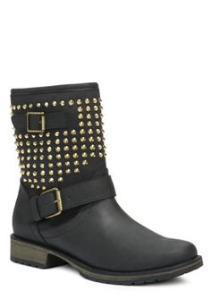 Just bought some spiky boots from JustFab. The website is horrible, but once in a blue moon they have something that makes me glad my phone anxiety has prevented me from cancelling my account. -A