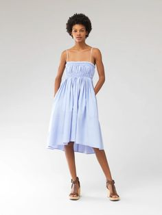 Dresses Modest Summer Outfits, Summer Dresses, Chloe, Bustier, Models, Dress Backs, Mannequin, Cotton Dresses, Poplin