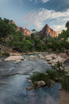 The Watchman - Zion National Park Scenic Photography, Nature Photography, Zion National Park, National Parks, Places Around The World, Around The Worlds, Summer Aesthetic, Landscape Photographers, Amazing Nature