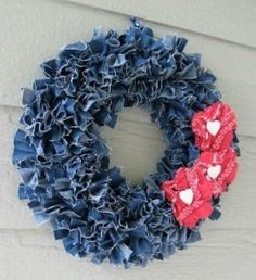 Craft Ideas Using Old Denim Jeans Beautiful wreath created from recycled denim! Featured wreath created from recycled denim! Jean Crafts, Denim Crafts, Fabric Crafts, Sewing Crafts, Sewing Projects, Upcycled Crafts, Sewing Diy, Sewing Tutorials, Repurposed