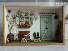 Miniature Roombox .The Green Door.