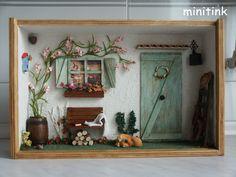 Miniature Roombox The Green Door
