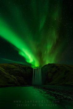 Falling Down, Cascada de Skogafoss, Islandia