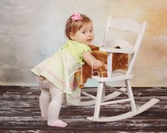 Art baby portraits are so darn cute! Baby Girl Portraits, Darning, Portrait Inspiration, Best Photographers, Our Kids, Future Baby, Little Ones, Picture Ideas, Photo Ideas