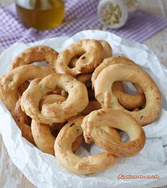 Onion Rings, Biscotti, Crackers, Pasta, Ethnic Recipes, Pane Pizza, Fantasia, Recipes, Pies