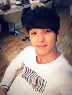 Hyunsik (BTOB)