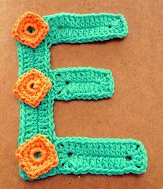 gehaakte letter E