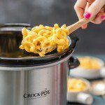 Super Easy Slow Cooker Macaroni and Cheese