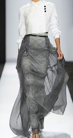 Carolina Herrera Spring my style Style Haute Couture, Couture Fashion, Runway Fashion, Womens Fashion, Fashion Trends, Milan Fashion, White Fashion, Look Fashion, Fashion Design