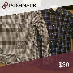 ❗FLASH SALE❗American Eagle Button Down Shirts 2 American Eagle button down shirts. Both size small. One on left worn a few times. One on right never worn. American Eagle Outfitters Shirts Dress Shirts