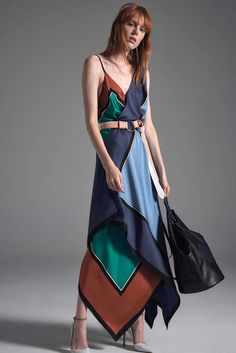 Diane von Furstenberg Spring/Summer 2017 at New York Fashion Week New York Fashion, Fashion 2017, Spring Fashion, Fashion Show, Fashion Looks, Fashion Design, Jonathan Saunders, Diane Von Furstenberg, Veronique Branquinho