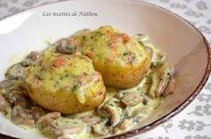 Recette - Pommes de terre farcies au lard et Reblochon, champignons à la crème | Notée 4.5/5