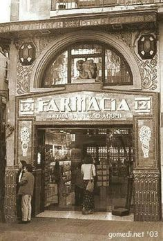 Pharmacy Images, Shop Fronts, Store Windows, Gaudi, Vintage Posters, Big Ben, Vintage Shops, Spain, Around The Worlds