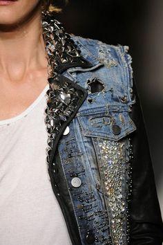 Balmain inspiration for embellished denim vest or jacket. Fashion Mode, Denim Fashion, Look Fashion, Fashion Details, Jeans Sequins, Jeans Recycling, Destroyed Denim Jacket, Christophe Decarnin, Jean 1