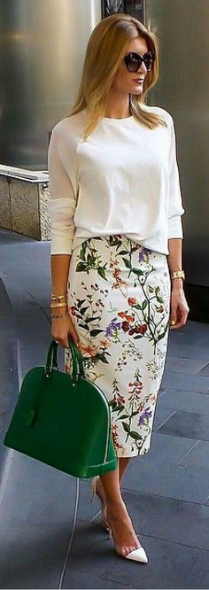 30 Chic Summer Outfit Ideas – Street Style Look. - Street Fashion, Casual Style, Latest Fashion Trends - Street Style and Casual Fashion Trends Work Fashion, Modest Fashion, Trendy Fashion, Womens Fashion, Fashion Spring, Ladies Fashion, Style Fashion, Feminine Fashion, White Fashion