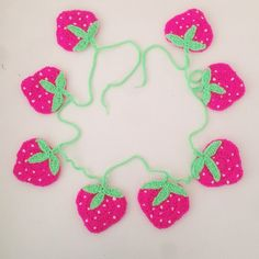 littlefoxcrochet crochet strawberries garland