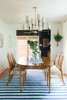 2katie Home Design, Interior Design, Design Ideas, Dining Room Design, Dining Room Furniture, Dining Rooms, Dining Area, Accent Furniture, Dining Tables