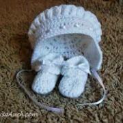 Free Crochet Patterns for Baby Bonnets – LisaAuch Layette Pattern, Baby Bonnet Pattern, Crochet Baby Bonnet, Crochet Baby Clothes, Granny Square Crochet Pattern, Crochet Flower Patterns, Crochet Flowers, Freeform Crochet, Irish Crochet