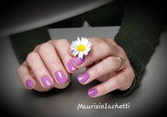 Lilla e glitter multicolore accendono di rosa i primi caldi soli di questa primavera. Nail Art, Nails, Beauty, Color, Pink, Spring, Finger Nails, Ongles, Colour