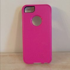 iPhone 5 or 5S Otterbox Case 2 pieces. Some of the white is a little dirty/worn Accessories