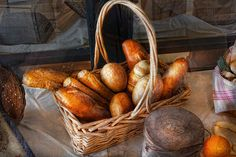 Kitchen - Food - Bread - Fresh Bread  - Photography by Mike Savad