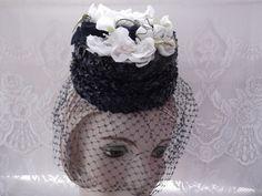 Vintage 1940s 1950s Hat Tilt Veil Blue Cellophane Straw Flowers Petite