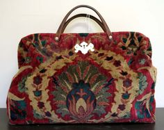 love this carpet bag... would be fab for a weekender