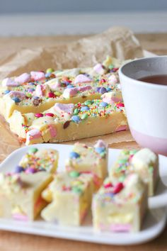 Cake Recept, Oreo Fudge, Holiday Snacks, High Tea, Pie Cake, Candy Store, Piece Of Cakes, Food Gifts, Cakes And More
