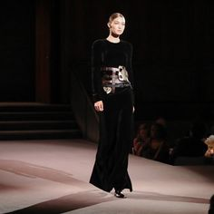 TOM FORD - Look 47 featuring Gigi Hadid at the TOM FORD AW16...