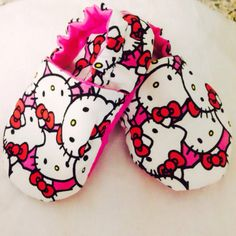 Hello Kitty // baby shoes baby slippers baby by SweetFeetFooties