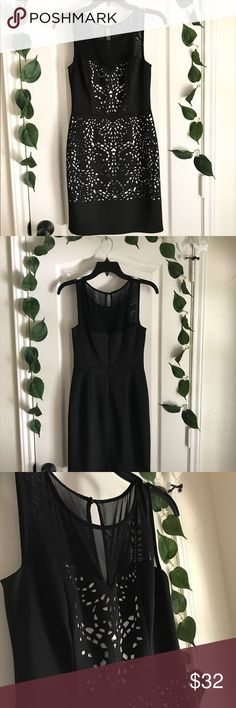 GUESS Black & White Dress Gently used dress! Worn only once and in great condition :) Guess Dresses Midi