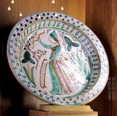 Musée d'Ecouen. Bassin, Diane. Florence, 1° moitié XV°s Acq en 1852. CL.2070. Déesse de la chasse et de la nature, personnification de la lune, déesse de la fécondité et protectrice des jeunes filles. Fille de Zeus, soeur jumelle d'Apollon.